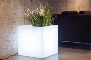 Donica Pixel Pot light